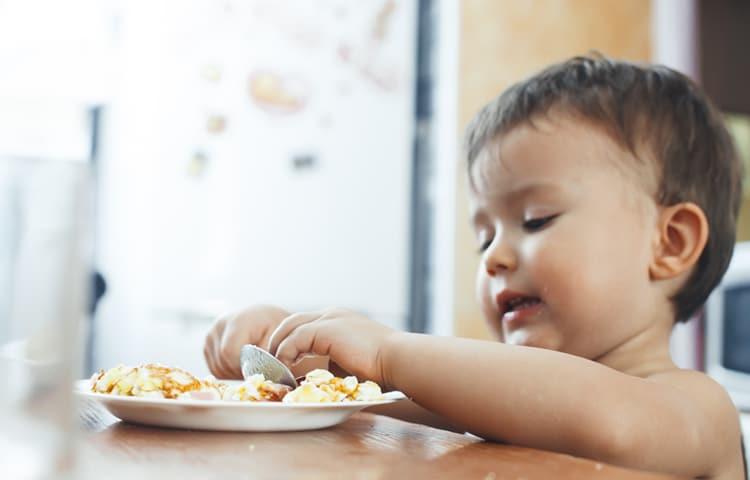 Tata - autonomia dei bambini in cucina e a tavola