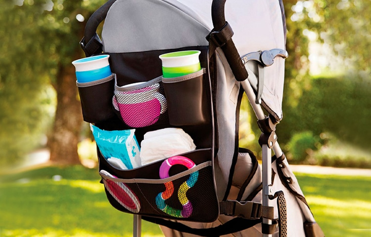 La borsa portaoggetti è uno tra i 10 accessori per passeggino più importanti