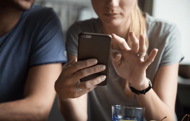 genitori, smartphone e sviluppo del bambino